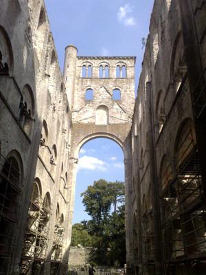 Abbaye_de_jumieges_20090806_3